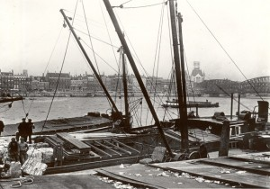 Gezicht op Boompjes vanaf Noordereiland, 1920-1930