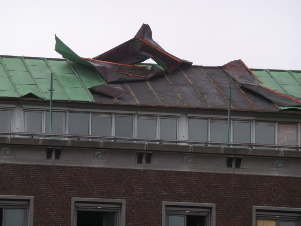 Het koperen dak werd weggeblazen door de  storm van zaterdag 10 januari